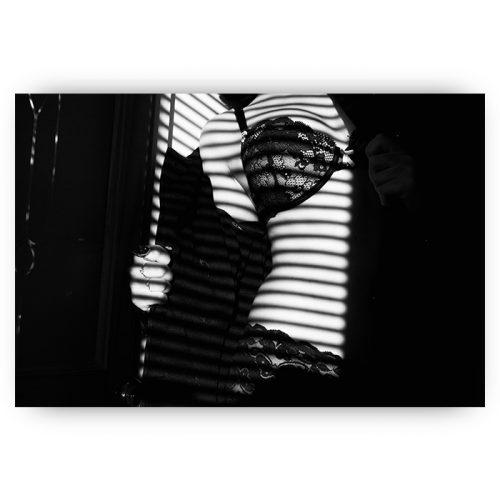 poster vrouw lingerie zwart wit silhouet