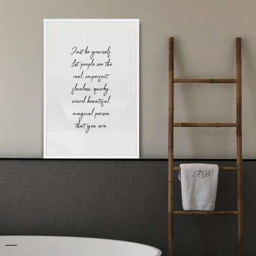 poster just be yourself quote tekst
