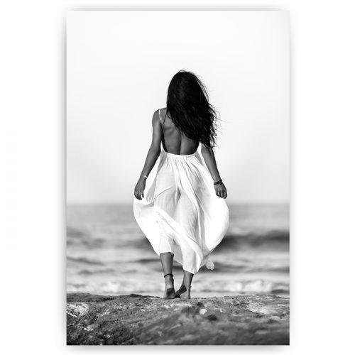 poster vrouw zwart wit jurk