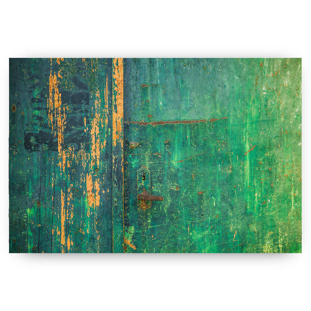 Groene verweerde deur
