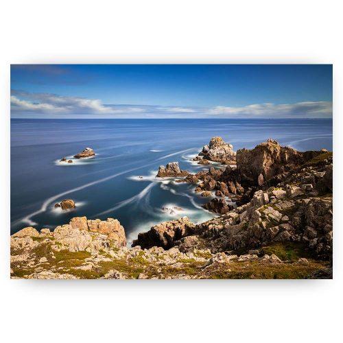 kustlijn bretagne met rotsen en zee